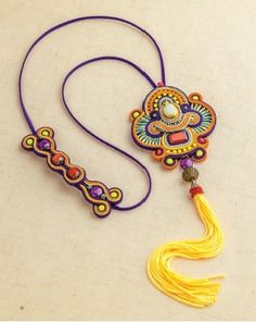 Best collection of free jewelry making tutorials, craft ideas, design inspirations, tips and tricks and trends Soutache Pendant, Soutache Necklace, Diy Necklace, Zipper Jewelry, Beaded Jewelry, Diy Collier, Anthropologie Jewelry, Pink Ring, Imitation Jewelry