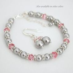 Artículos similares a Pink and Gray Jewelry Set, Bridesmaid Gift Swarovski Light Grey Pearl and Light Pink Crystal Bracelet and Earring Set, Bridal Bracelet Set en Etsy Bridesmaid Bracelet Gift, Bridesmaid Jewelry Sets, Bridal Bracelet, Bracelet Set, Bridal Jewelry, Swarovski Bracelet, Crystal Bracelets, Beaded Earrings, Jewelry Bracelets