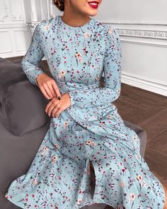 117 foolproof dresses to wear on a first date Modest Dresses, Elegant Dresses, Pretty Dresses, Beautiful Dresses, Casual Dresses, Modest Fashion, Hijab Fashion, Fashion Dresses, 70s Fashion