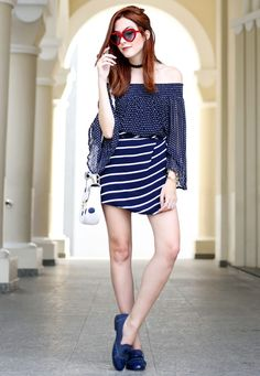 FashionCoolture - 29.08.2016 look du jour Shoulder navy blue stripes and  dots… Net ca6be1bf833