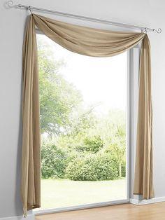 Zum Dekorieren über der Gardinenstange oder in Deko-Ringen. Transparente, gesäumte Ware aus 100% Polyester. Waschbar....