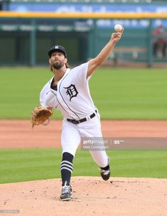 News Photo : Daniel Norris of the Detroit Tigers pitches... Mlb Pitchers, Cincinnati Reds, Detroit Tigers, Michigan, Baseball Cards, Game, News, Games, Toy