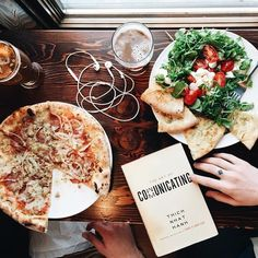 pizza, salade and health