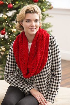 Ravelry: Christmas Cowl pattern by Christine Marie Chen