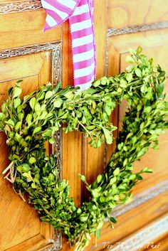 Top This Top That: Easy Boxwood Heart Wreath