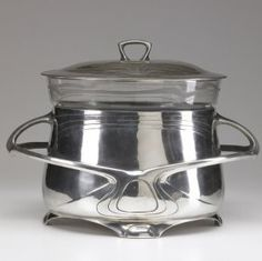 Peter Behrens / Osiris pewter lidded punchbowl