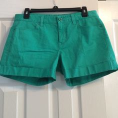 "Ann Taylor shorts Medium green one button with 4"" zipper very good condition.  Inseam 3 1/2 "". No stains or rips. Stitching intact. Gently worn.   98% cotton 2% spandex. They have some stretch. Ann Taylor Shorts"