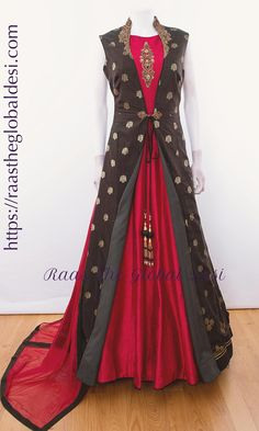Indian Gowns Dresses, Indian Fashion Dresses, Indian Designer Outfits, Indian Outfits, Brocade Dresses, Long Dress Design, Stylish Dress Designs, Stylish Dresses, Elegant Dresses