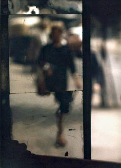 La réputation du photographe Saul Leiter n'est plus à faire. Plus connu pour ses photographies de mode, il était cependant un des pionniers de la photograp