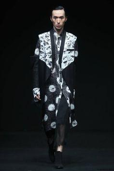 XINSHEN LINEN & Sun Lin Fall/Winter 2016/2017 - Mercedes-Benz Fashion Week China