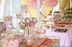 The candy cart was placed in the same room, with the most fairytale decoration ever, beige and pink colors with a sweets selection by Julia Cupcakes who also made the wedding cake, topped with the figures of the Sleeping Beaty and The Prince dancing. This wasn't just the top of the wedding cake, but the party itself!