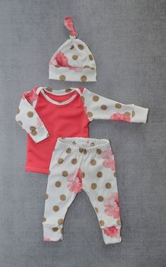 Newborn girl outfit newborn coming home by LittleBeansBabyShop #babygirloutfits