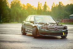 Abused Mercedes Benz 190e, Mercedes 190, Motorcycle Stickers, Backyard Buildings, Because Race Car, Automotive Photography, Car Wallpapers, Modified Cars, Jdm Cars