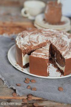Schoko Creme Torte Black and White 18
