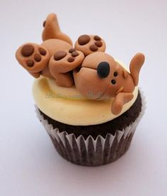 The Extraordinary Art of Cake: A Great Big Buttercream Bakery Christmas Cupcake Catch Up #DogCake