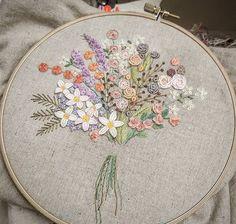 미루어둔 꽃다발 #금오산산책길 #자수나무 #embroidery