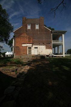 Side view of Carnton Plantation Mansion, Franklin.
