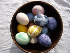 Dyed Eggs, All natural using spices, fruits and vegetables as the dye, like they used to do for clothes back in the day. From Rural Spin.