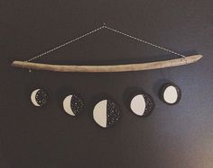 New Pics Clay diy moon Style Semi successful first attempt at a moon phase mobile. In the name of making things to learn how to Moon Crafts, Diy And Crafts, Arts And Crafts, Do It Yourself Decoration, Creation Deco, Diy Décoration, Crafty Craft, Crafting, Wall Decor
