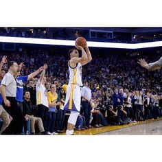 Steph owns the record for most 3-pointers made in a month with 81. #Gam30ver #stephcurry #dubnation #3pointChamp