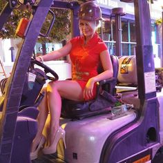 Could only be improved by seatbelt use  #forklift #safety