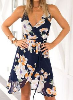 Floral dresses make perfect graduation dresses!