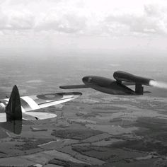 amazing photo of a V1 being chased by a British fighter Hal Sharpe