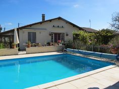 5 Bed House for sale in Poitou-Charentes, Charente-Maritime Saint-Simon-de-Bordes Saint Simon, 5 Bed House, Grand Terrace, Poitou Charentes, French Property, Selling Your House, Medieval Town, Heated Pool, Sandy Beaches