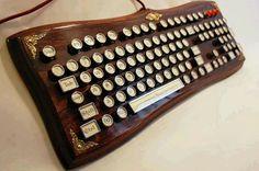 Awesome steampunk keyboard ♥