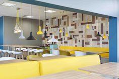 Le Village Santé - Trélazé Réaménagement du restaurant d'entreprise ©BleuVertConcepts #BleuVertConcepts #RestaurantDesign #CafeteriaDesign