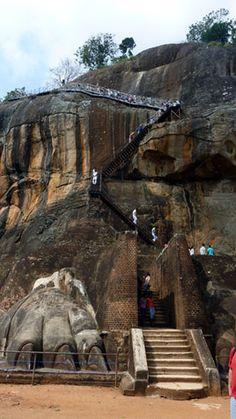 Sigiriya, Löwenfelsen  http://de.wikipedia.org/wiki/Sigiriya  Sri Lanka
