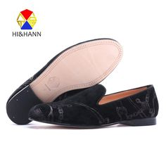 198.00$  Watch here - http://aliw4y.worldwells.pw/go.php?t=32739713275 - luxurious USA brand HI&HHAN Handmade men gilding prints velvet shoes elegant men dress shoes wedding and prom men's loafers 198.00$
