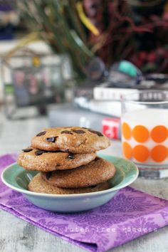 These are the best ever...Gluten-Free Goddess Recipes: Gluten-Free Wheat-Free Chocolate Chip Cookies - Ne...