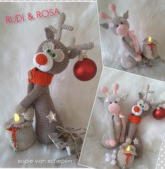 3 delig haakpatroon Rudi en Rosa in English, Nederlands en Deutsch Christmas Diy, Christmas Decorations, Xmas, Christmas Ornaments, Holiday Decor, Crochet Dolls, Crochet Baby, Knit Crochet, Crochet Animals