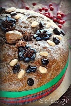 Χριστόψωμο μυρωδάτο, ολικής αλέσεως , με μούστο και χαρουπάλευρο. Συνταγές για διαβητικούς Sofeto Γεύσεις Υγείας Best Sweets, Sweet Recipes, I Am Awesome, Bread, Cookies, Cake, Desserts, Christmas, Food