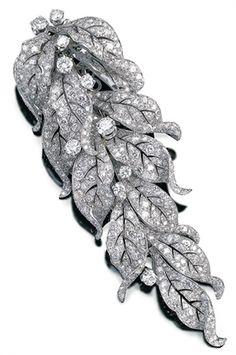 Articulated cascade brooch, 1936  PAUL FLATO  #jewelry #winter #fashion