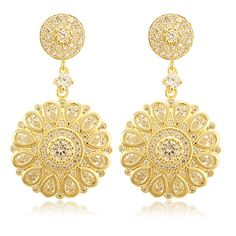 Brinco com banho em ouro 18k, pedras em zircônia. Loja Virtual Blanc Perle Acessórios. Semijóias com design moderno. Pretty earrings
