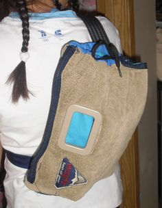 A sling type bag. This reminds me of what an archer would put his arrows in for quick access.
