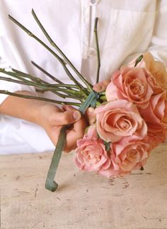 making a hand-tied rose bouquet