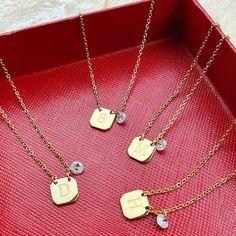 Carat Gold, Venus, Dog Tag Necklace, Paris, Boutique, How To Make, Jewelry, Montmartre Paris, Jewlery
