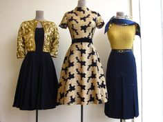 Navy & Gold look great together.