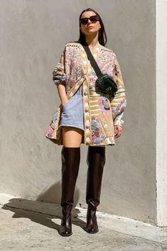 Frühlingsjacken-Trends 2021: Das sind die 5 angesagtesten Styles Biker Look, Blue Jeans, Kimono Top, Blazer, Harry Potter, Tops, Women, Style, Fashion