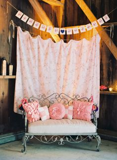 Colorful Barn Wedding by Michelle Warren « Southern Weddings Magazine