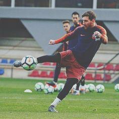 @leomessi Barcelona Football, Fc Barcelona, Lional Messi, God Of Football, Football Wallpaper, Soccer Ball, Goat, Empire, Basket