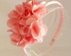 Tiara Floral daminha Sassy Hair, Headband Baby, Hair Bows, Marie, Hair Accessories, Sewing, Sweet, Diy, Handmade