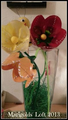 Marigolds Loft: Tutorial Thursdays - Spring Recycled Flowers Linky Party come and join in the fun.