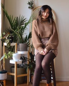@cookie cat.herine via Instagram Cute Tights, Tights Outfit, Sweater Tights, Fast Fashion, Slow Fashion, Winter Fashion, Fashion Outfits, Tight Dresses, Satin Dresses