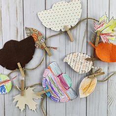 Kids love to help decorate. Why not let them make their own Thanksgiving Garland Winter Crafts For Kids, Paper Crafts For Kids, Easter Crafts, Holiday Crafts, Gingerbread House Frosting, Gingerbread Houses, Fireman Crafts, Robot Theme, Fireman Birthday