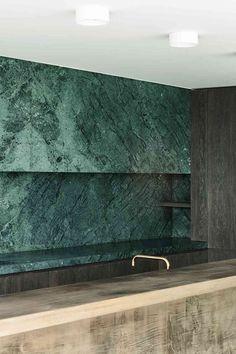 Marvelous green natural stone backsplash! #stonetiles #naturalstone #backsplash #backsplashideas