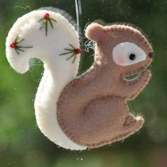 cute Christmas squirrel decoration made in felt with beautiful stitching detail. Felt Christmas Decorations, Felt Christmas Ornaments, Bird Ornaments, Beaded Ornaments, Christmas Sewing, Handmade Christmas, Christmas Projects, Holiday Crafts, Christmas Squirrel